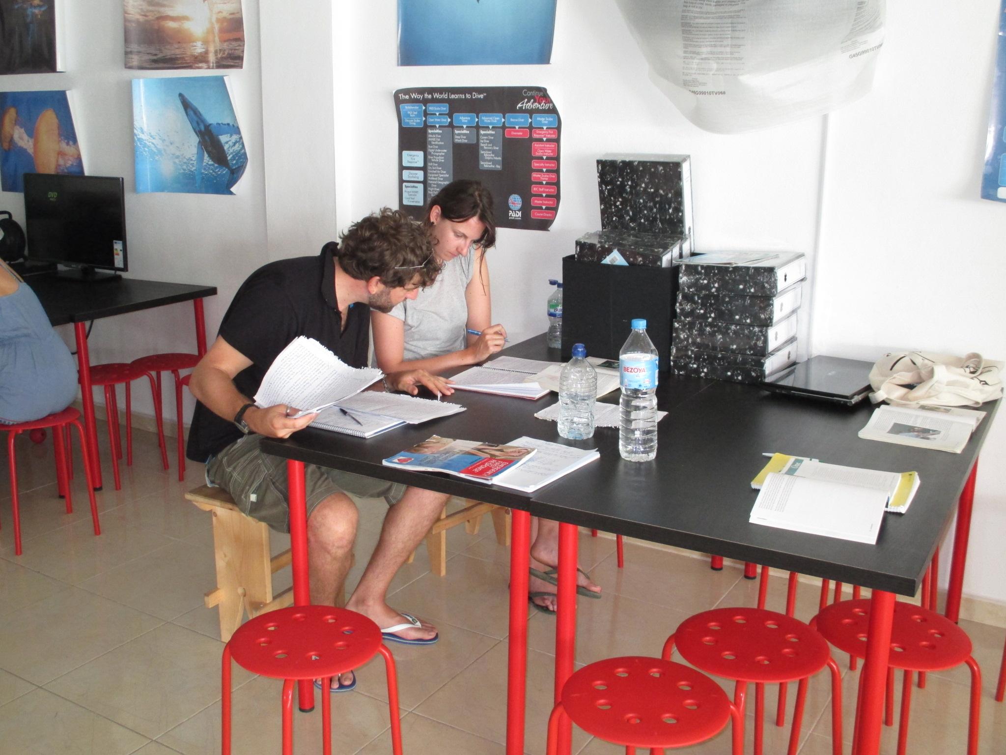 PADI Divemaster study group