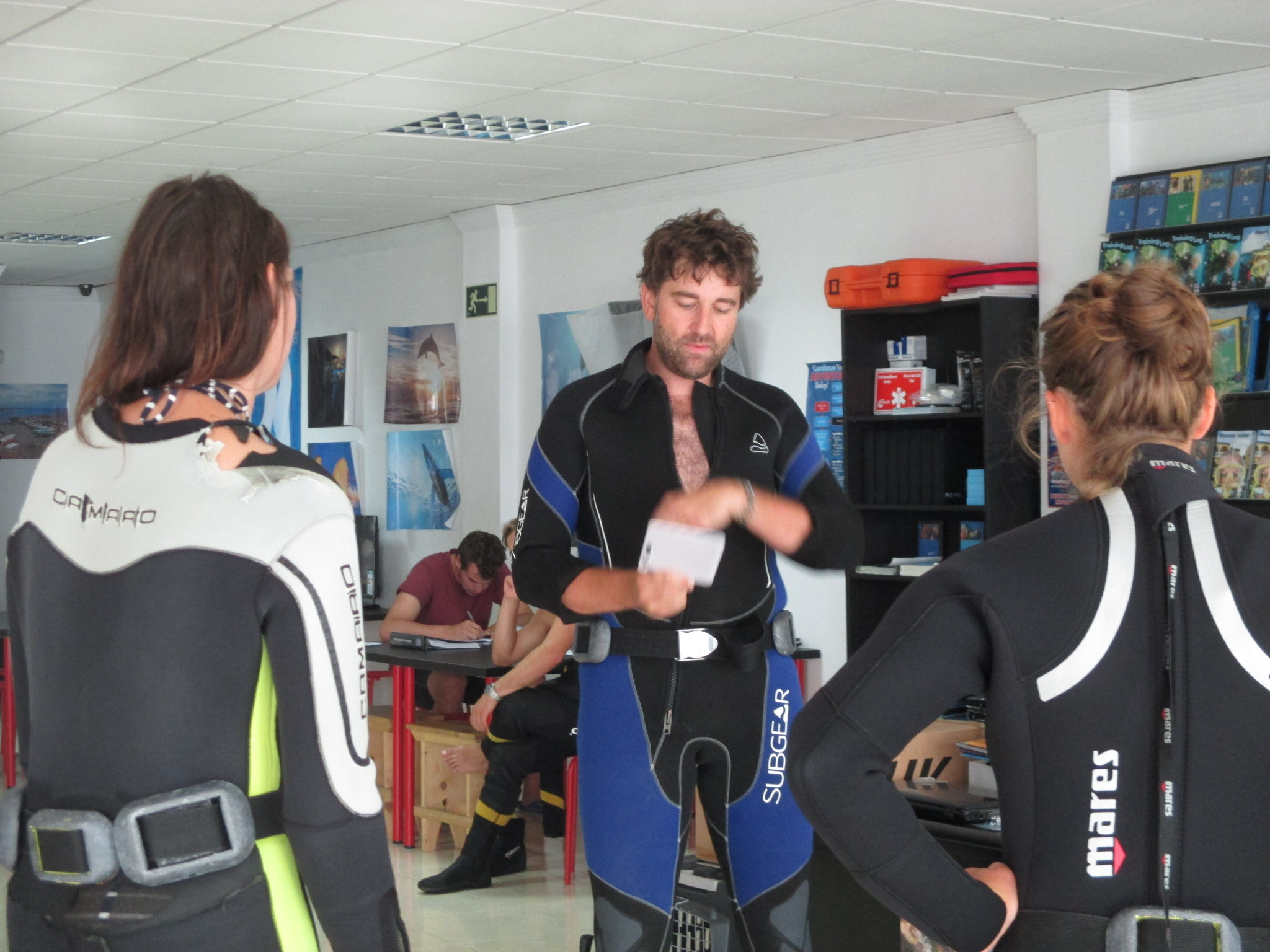 Dive Briefs Tenerife