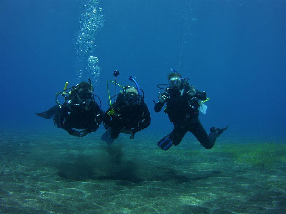 PADI Divemaster Hazel diving